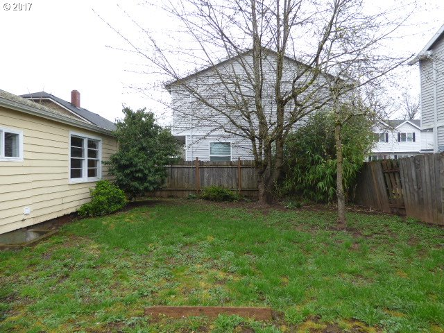 985 sq. ft 2 bedrooms 1 bathrooms  House ,Portland, OR