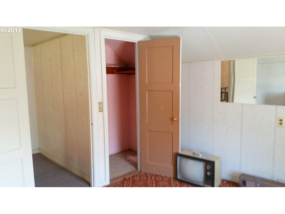 1302 W 10TH, THE DALLES, OR 97058  Photo 11