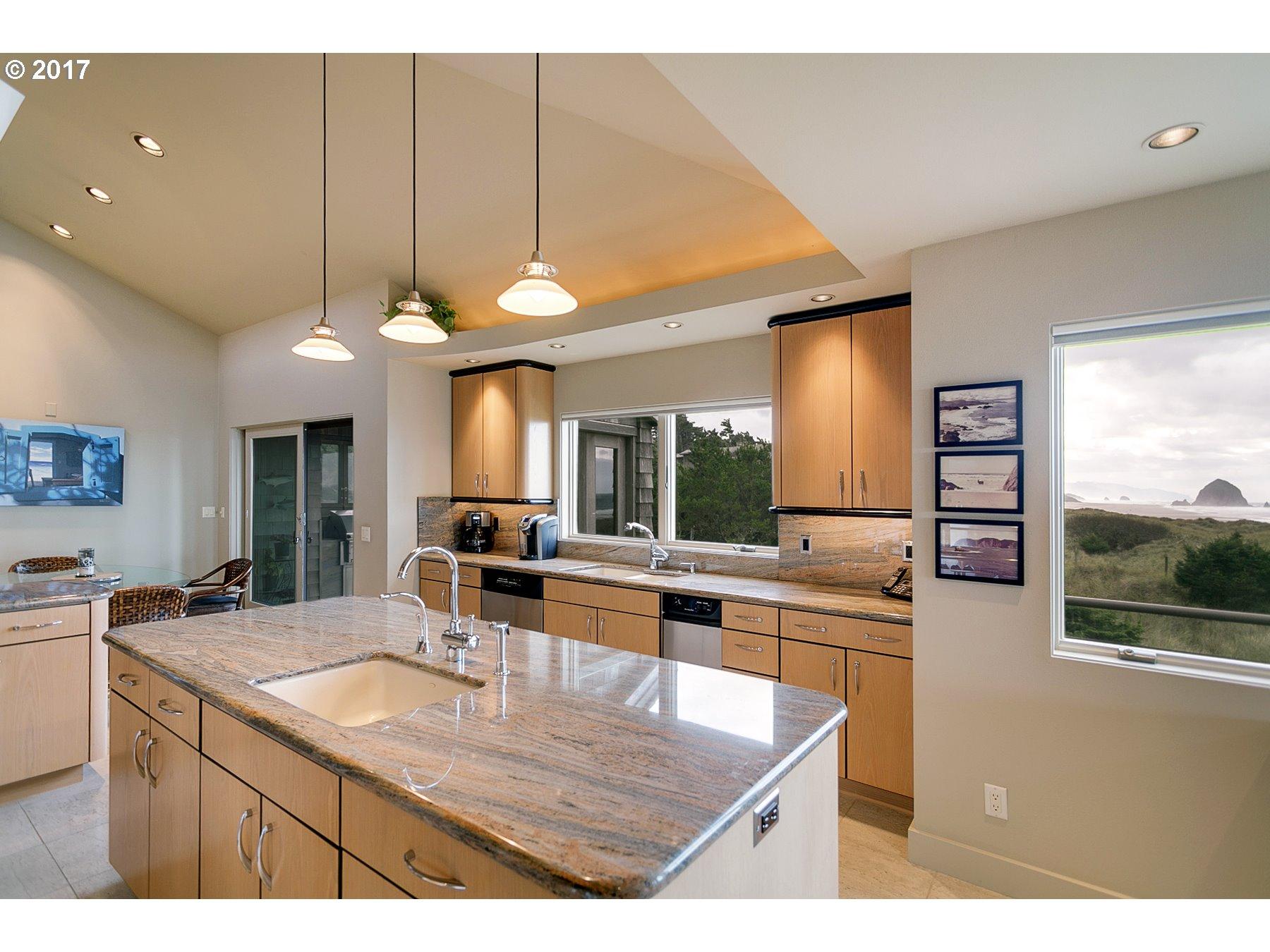 640 N Oak ST Cannon Beach, OR 97110 - MLS #: 17612656