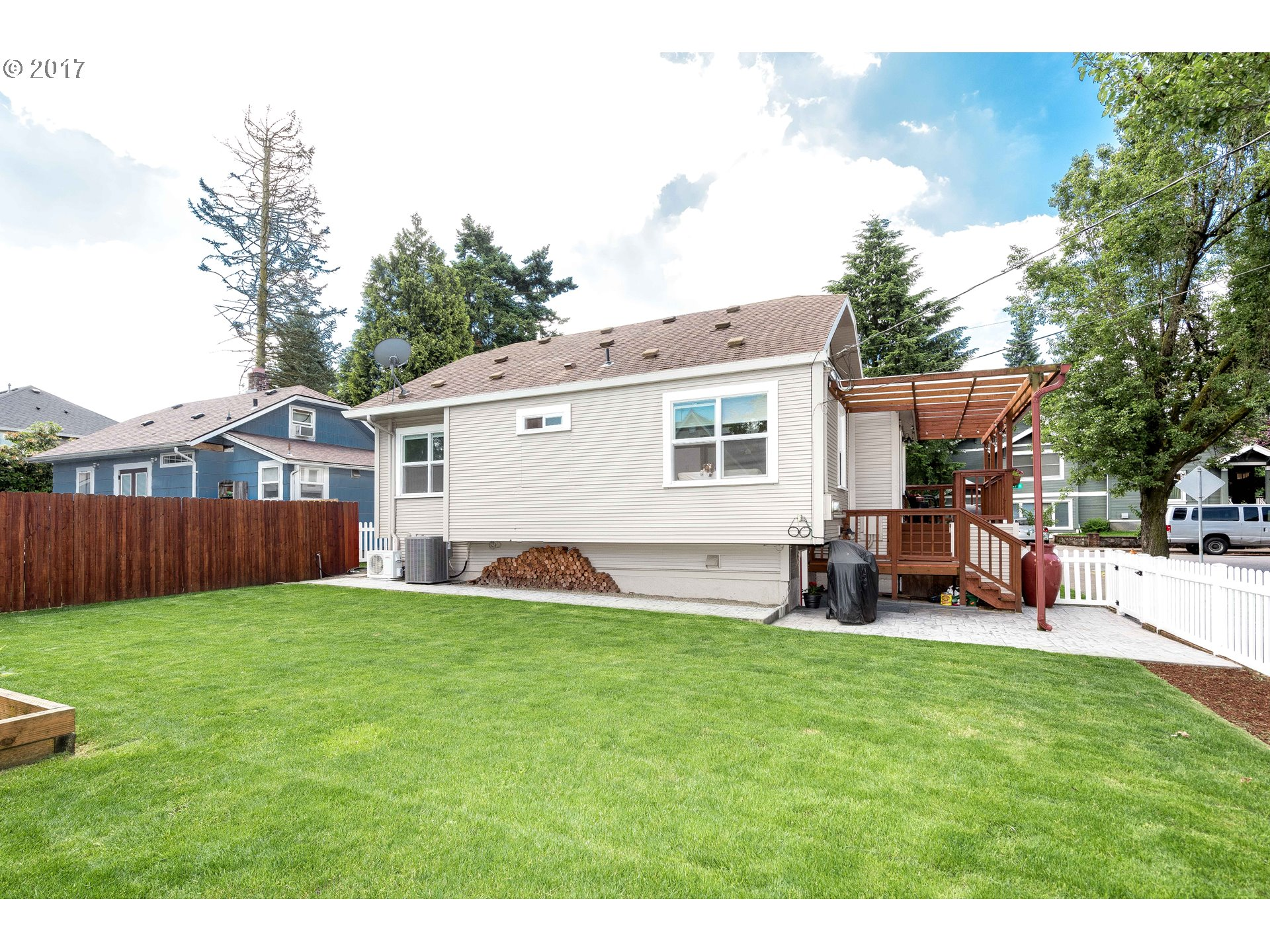 2585 N HUNT ST Portland, OR 97217 - MLS #: 17615631