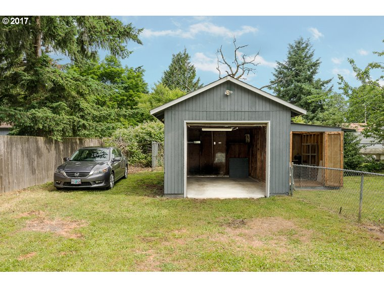 8729 SE STEELE ST Portland, OR 97266 - MLS #: 17617186