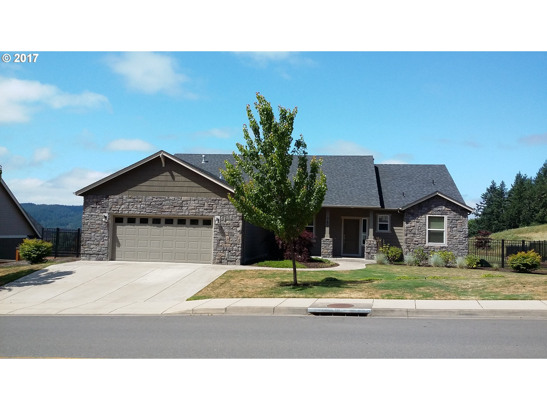 780 MOUNTAINGATE DR, Springfield, OR 97478