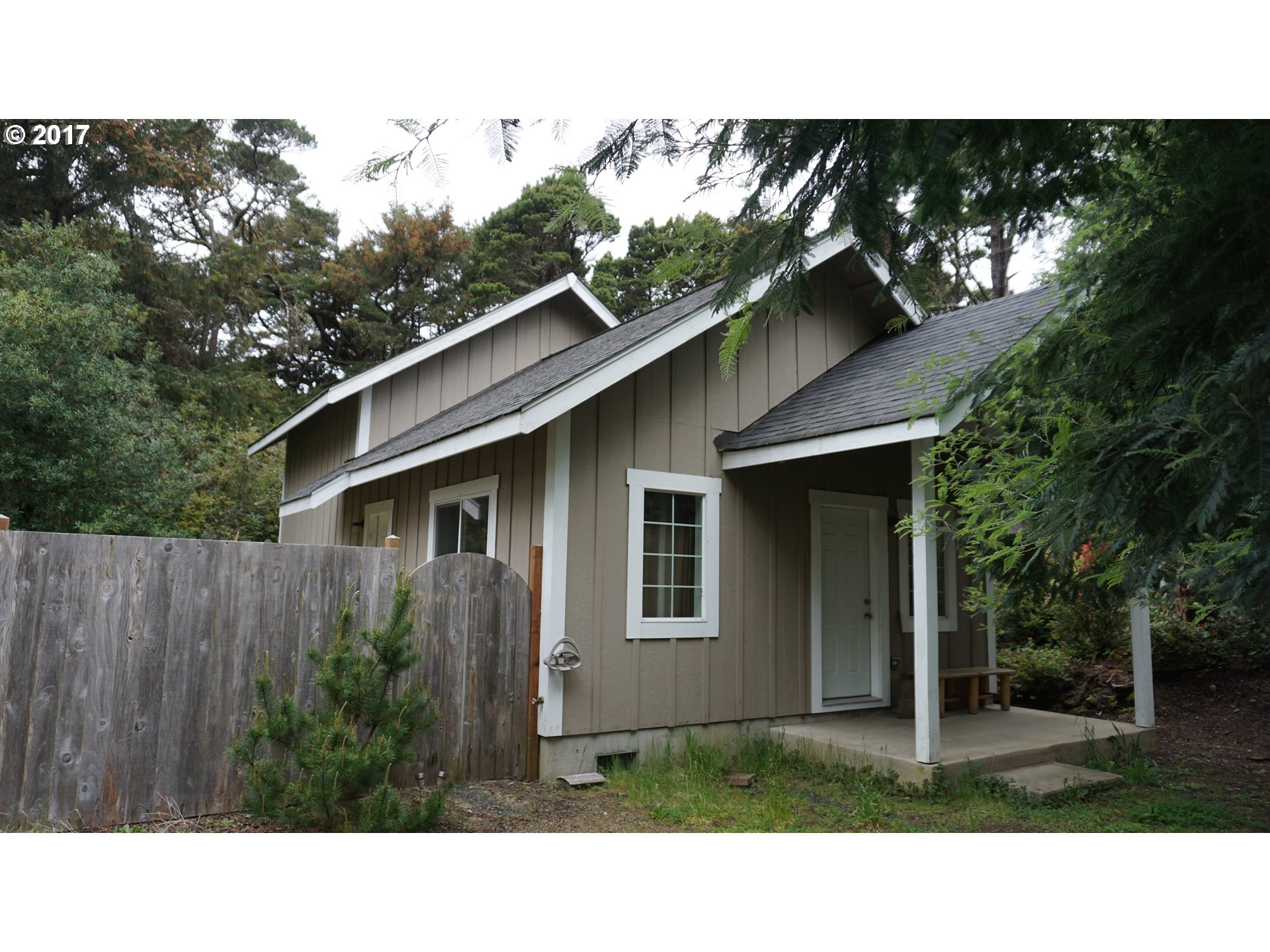 88584 4TH AVE, Florence, OR 97439