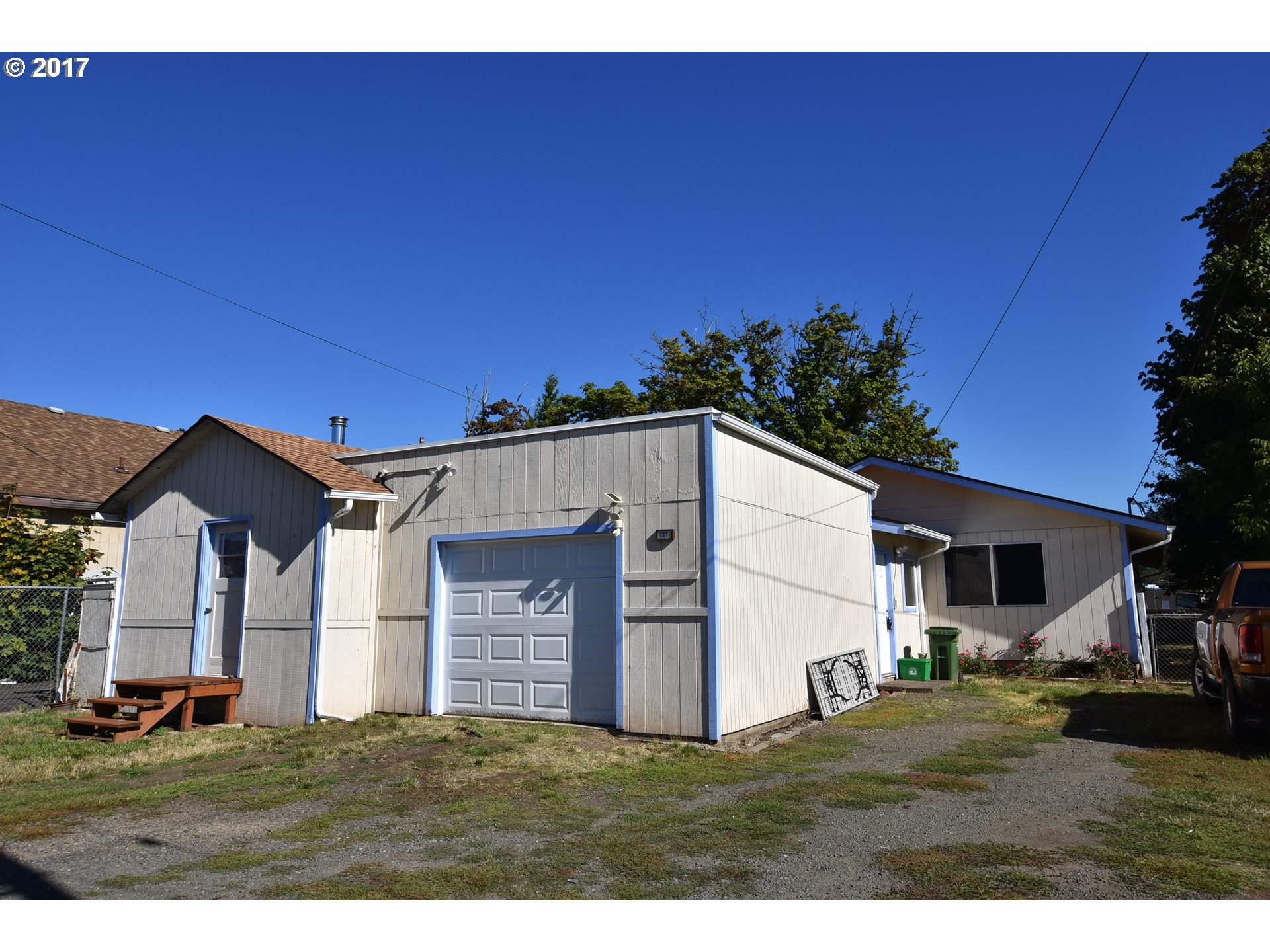 131 N 10TH ST, Cottage Grove, OR 97424