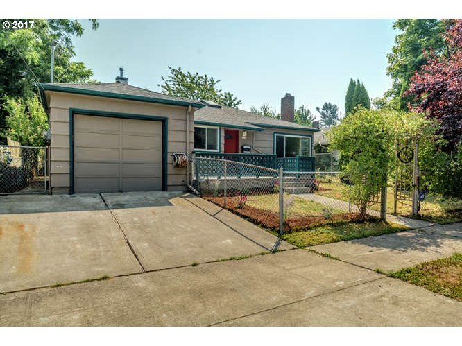 Beautifully remodeled home near University of Portland. New windows, cabinets, counter-tops, stainless appliances, newer roof, refinished hardwood floors. Fenced yard with tool shed and greenhouse. Will not last.