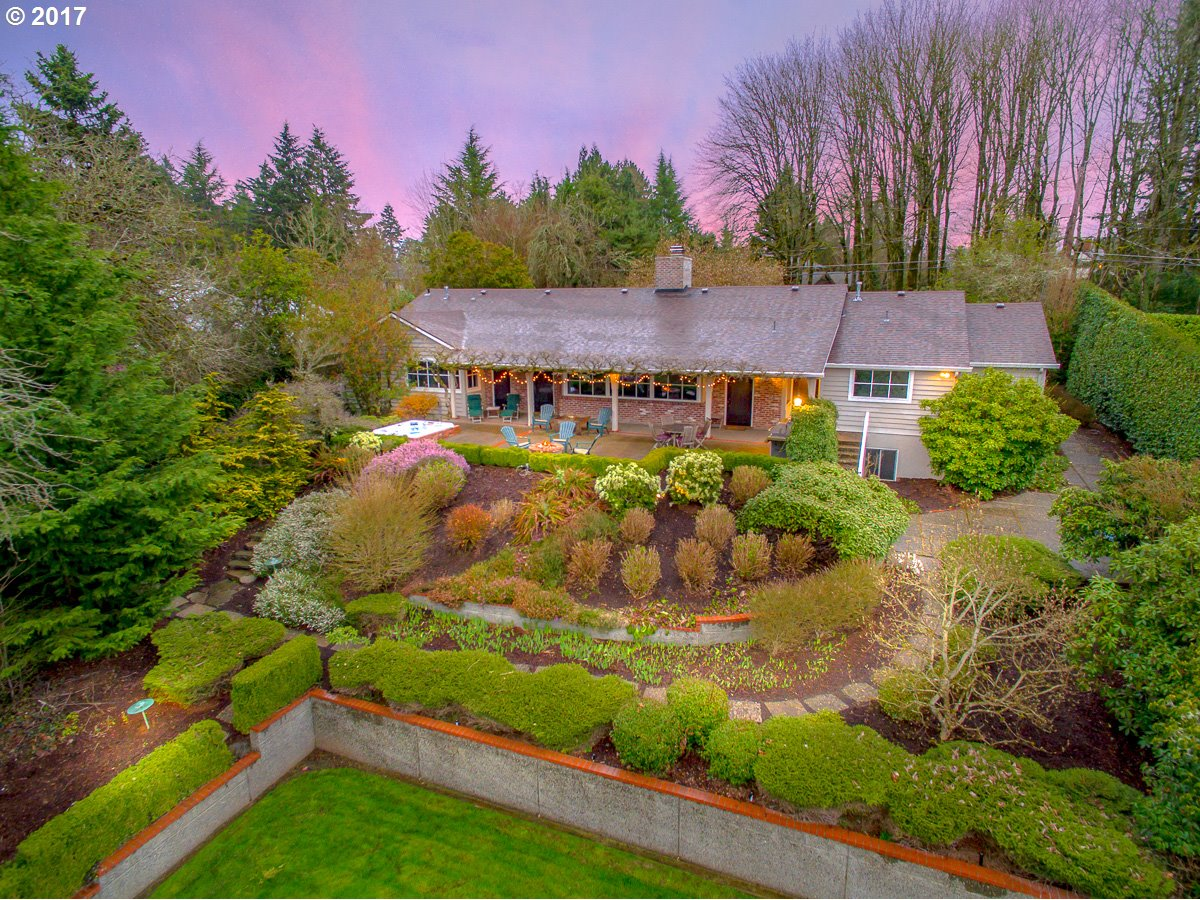 11619 SW MILITARY RD, Portland OR 97219