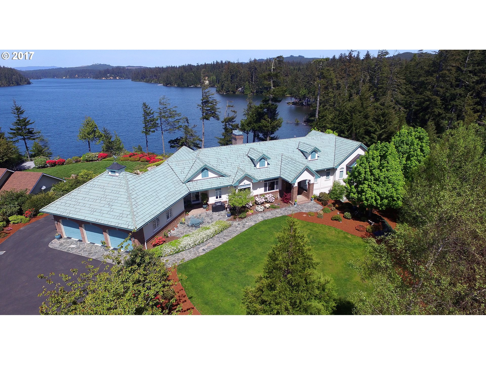 83465 SOUTH COVE DR, Florence, OR 97439