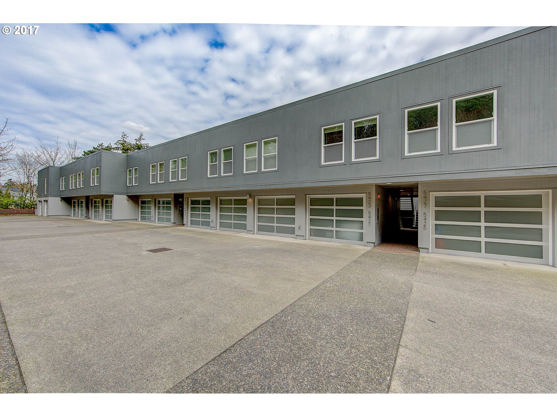 5421 SW VIEW POINT TER, Portland OR 97239