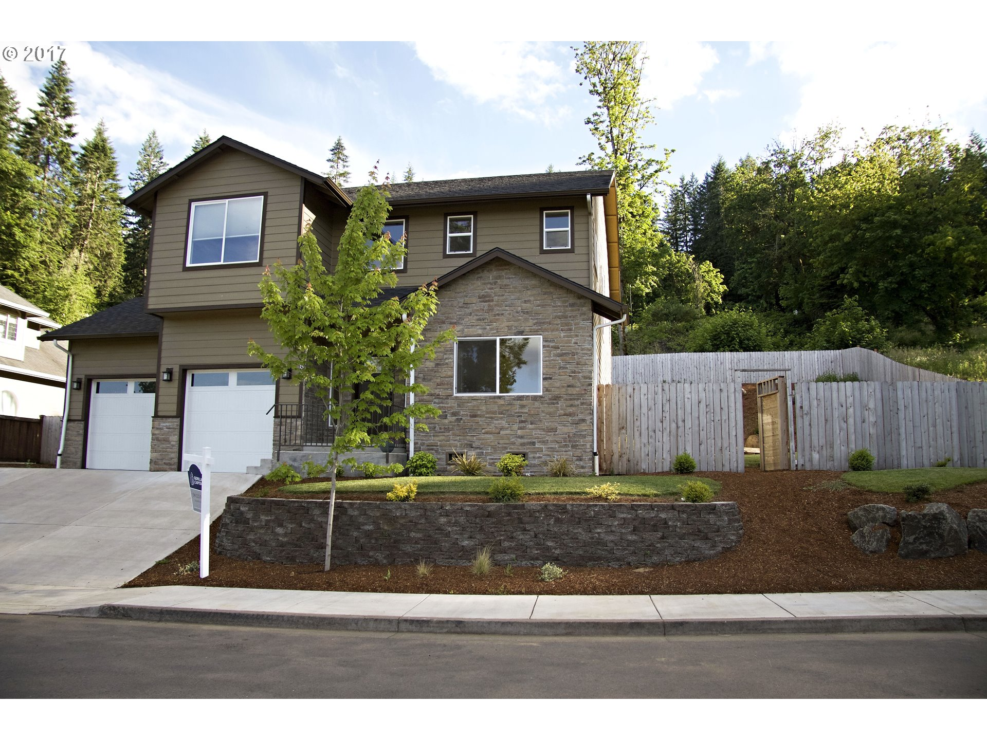 6689 IVY ST, Springfield, OR 97478