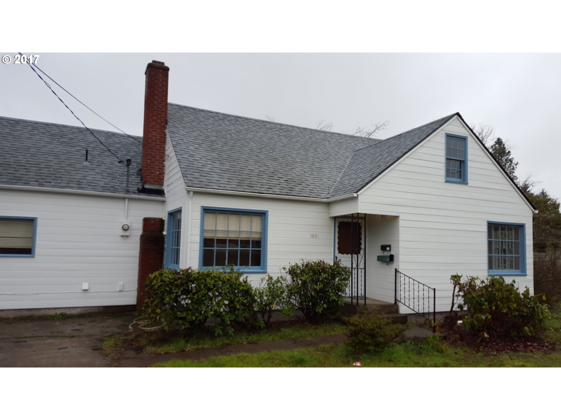 1031 S 6TH ST, Cottage Grove, OR 97424