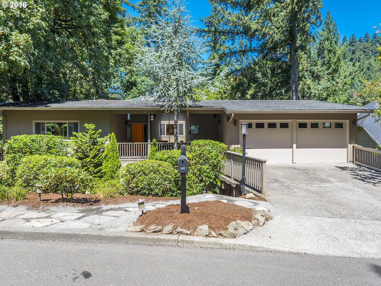 2033 RIDGEWOOD RD, Lake Oswego, OR 97034
