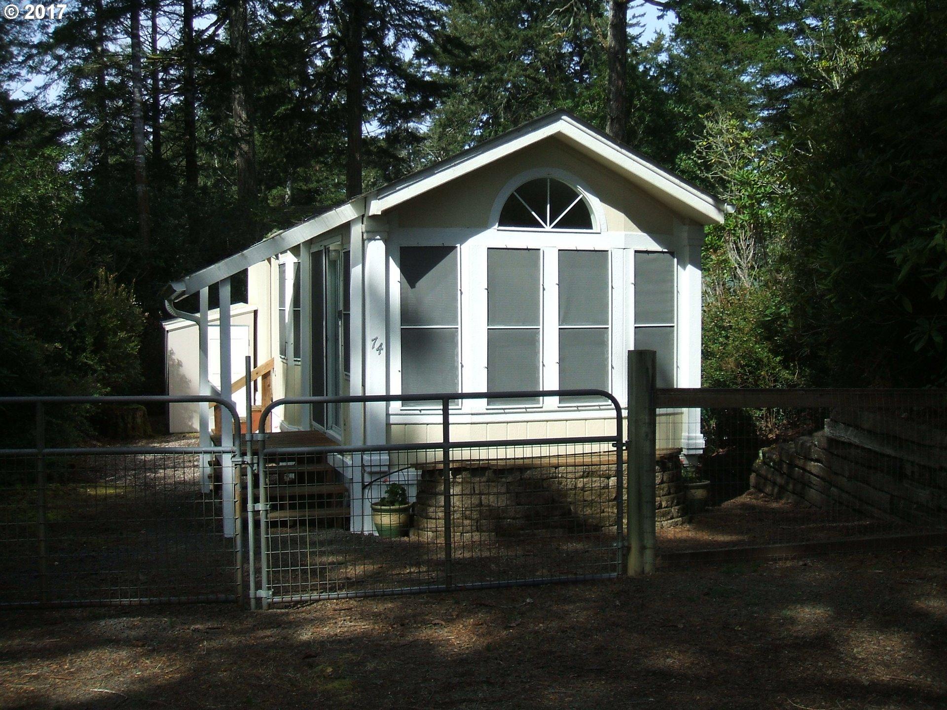 74 OUTER DR, Florence, OR 97439