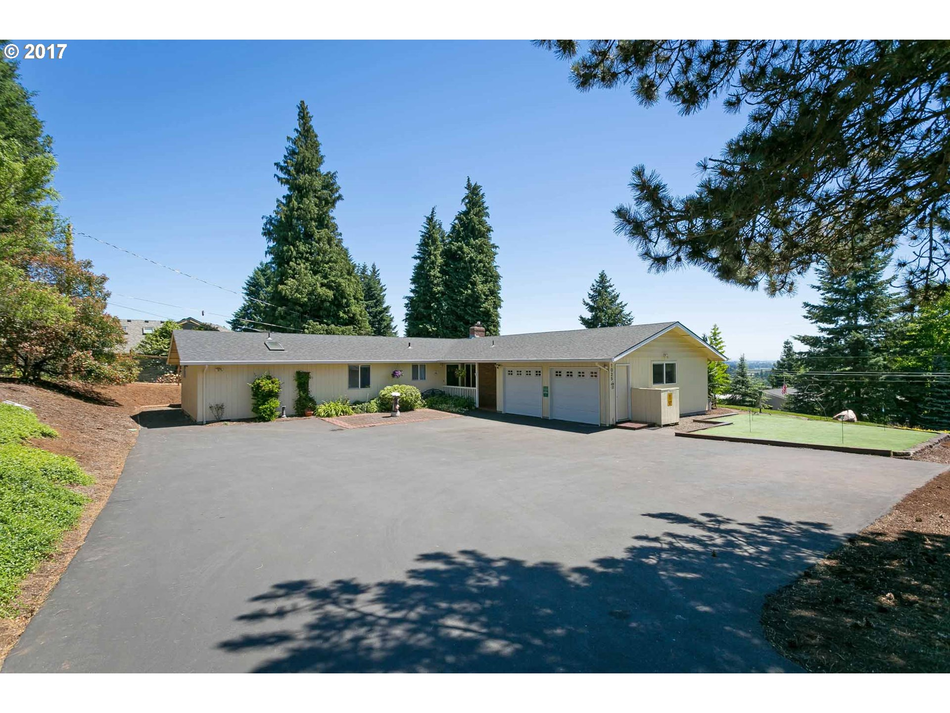 1025 SW RED HILLS DR, Dundee, OR 97115