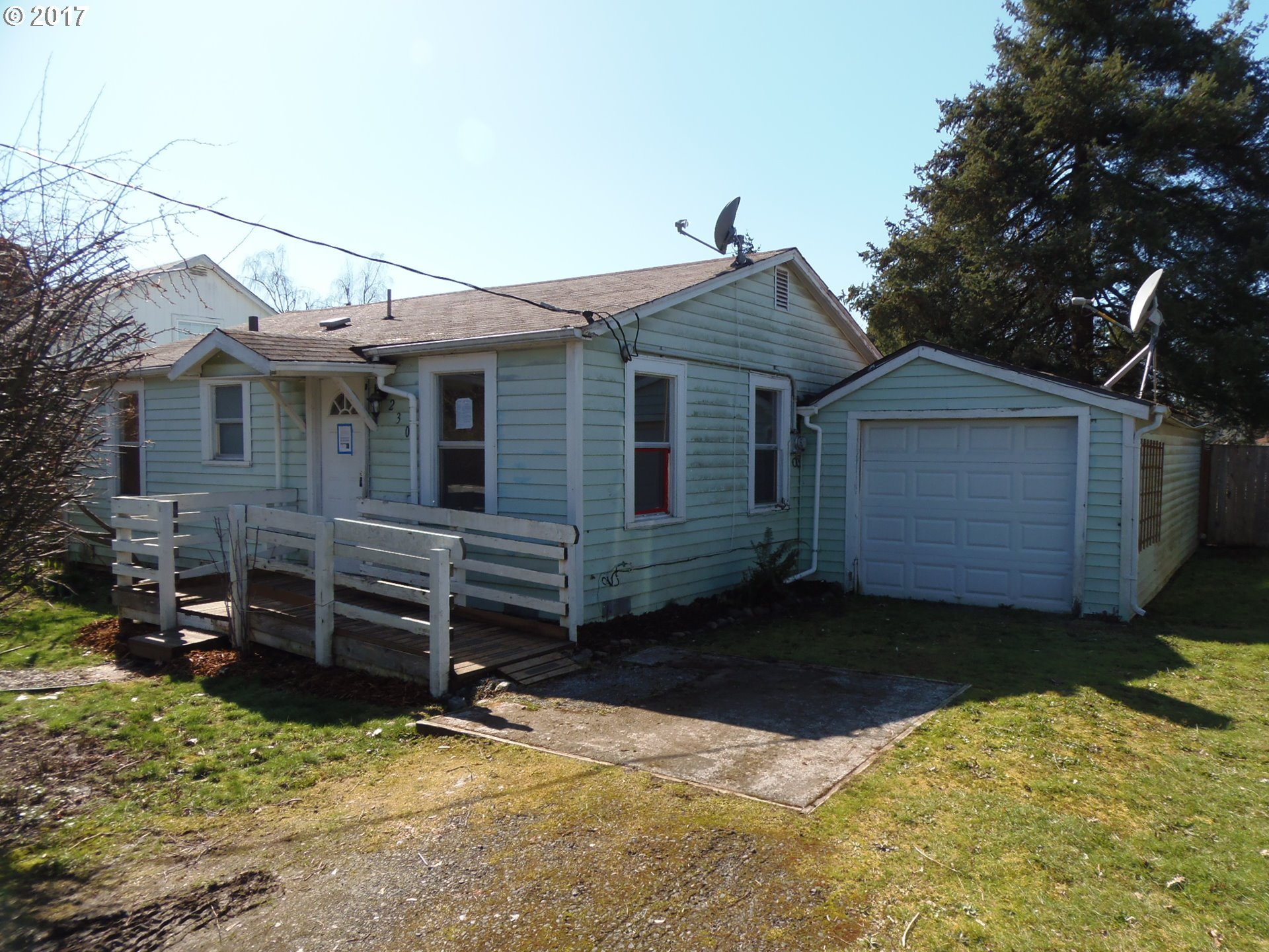 230 S 51ST PL, Springfield, OR 97478
