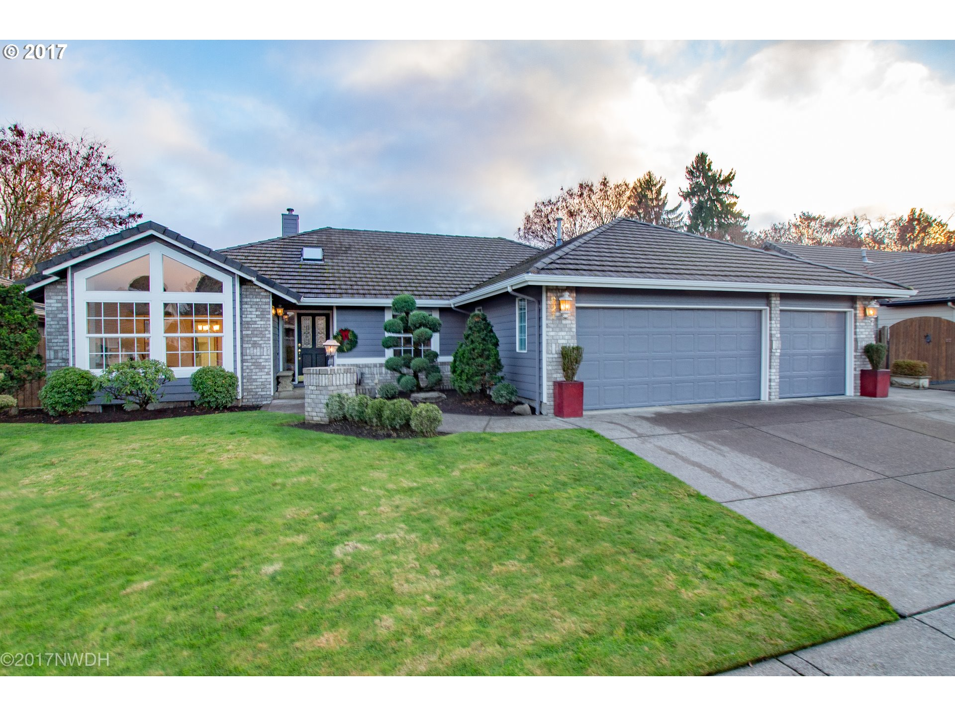 827 JANNETTE CT, Springfield OR 97477