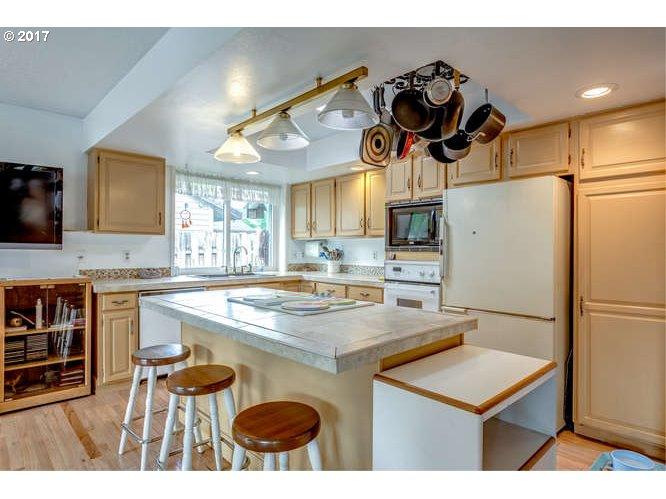 511 BUCKLEY LN Newberg, OR 97132 - MLS #: 17635448