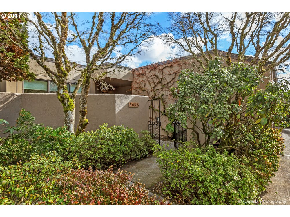 6048 SW RIVERPOINT LN, Portland, OR 97239