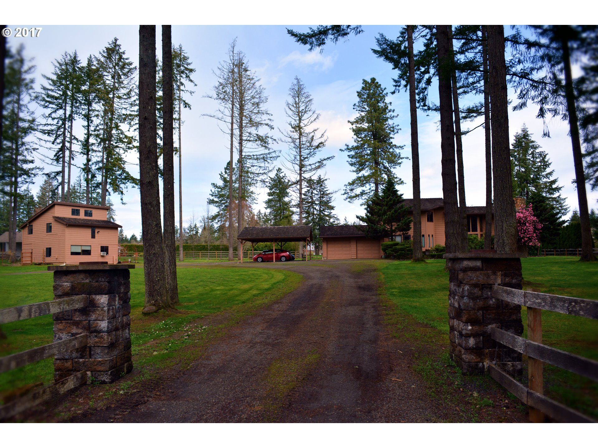 26009 ENGLAND LOOP, Veneta, OR 97487