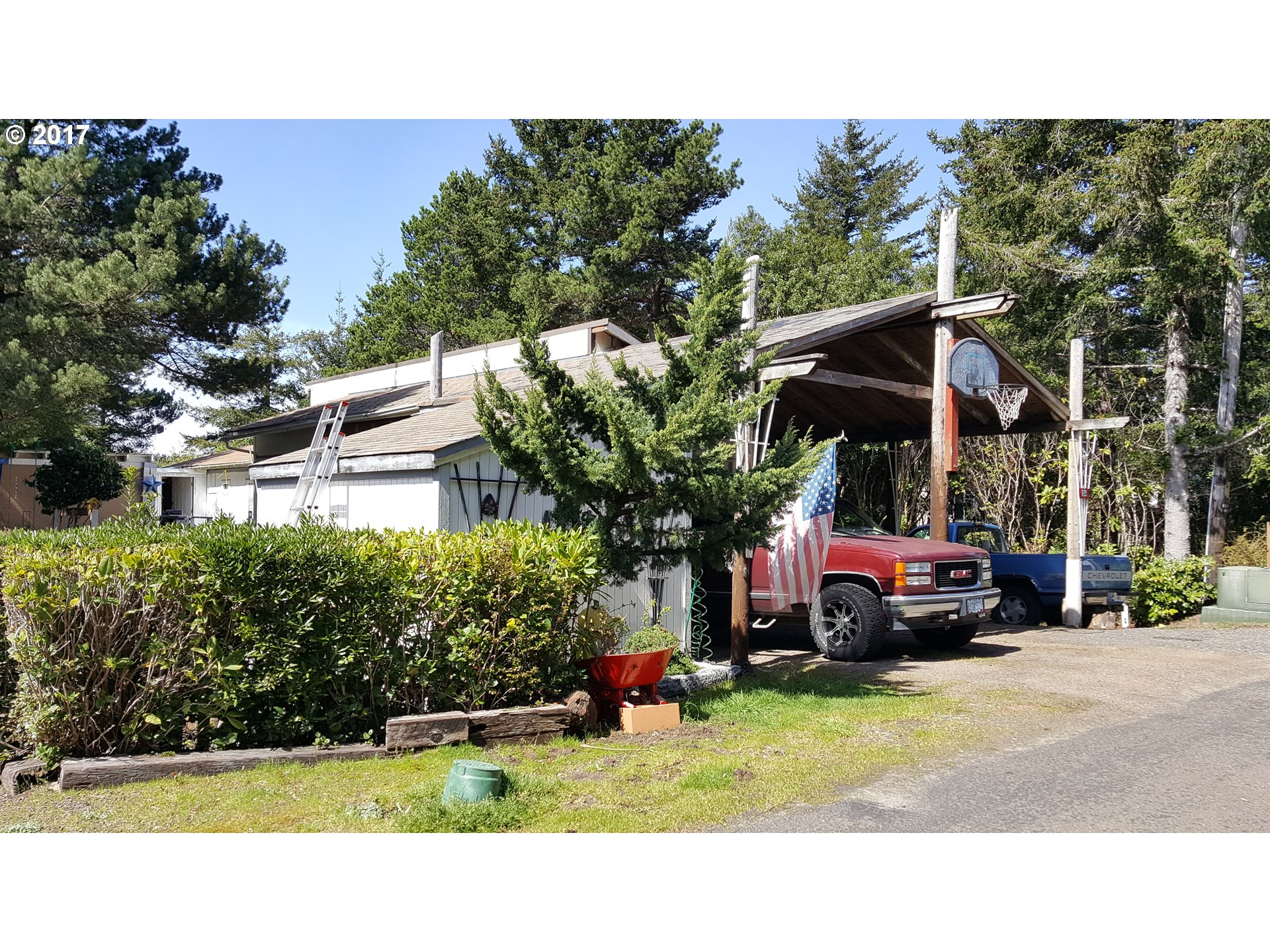 1600 RHODODENDRON DR SPAC 154, Florence, OR 97439