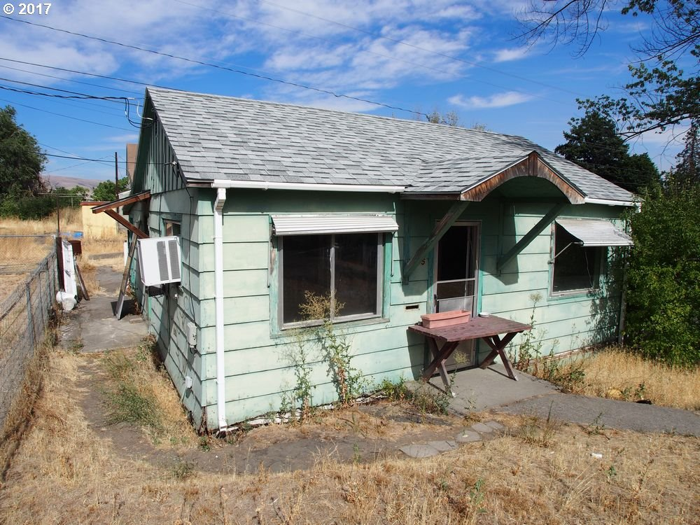 705 W 9TH, THE DALLES, OR 97058