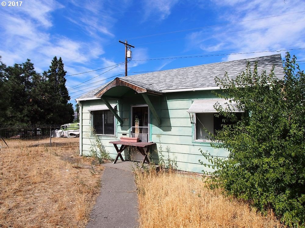 705 W 9TH, THE DALLES, OR 97058  Photo 2