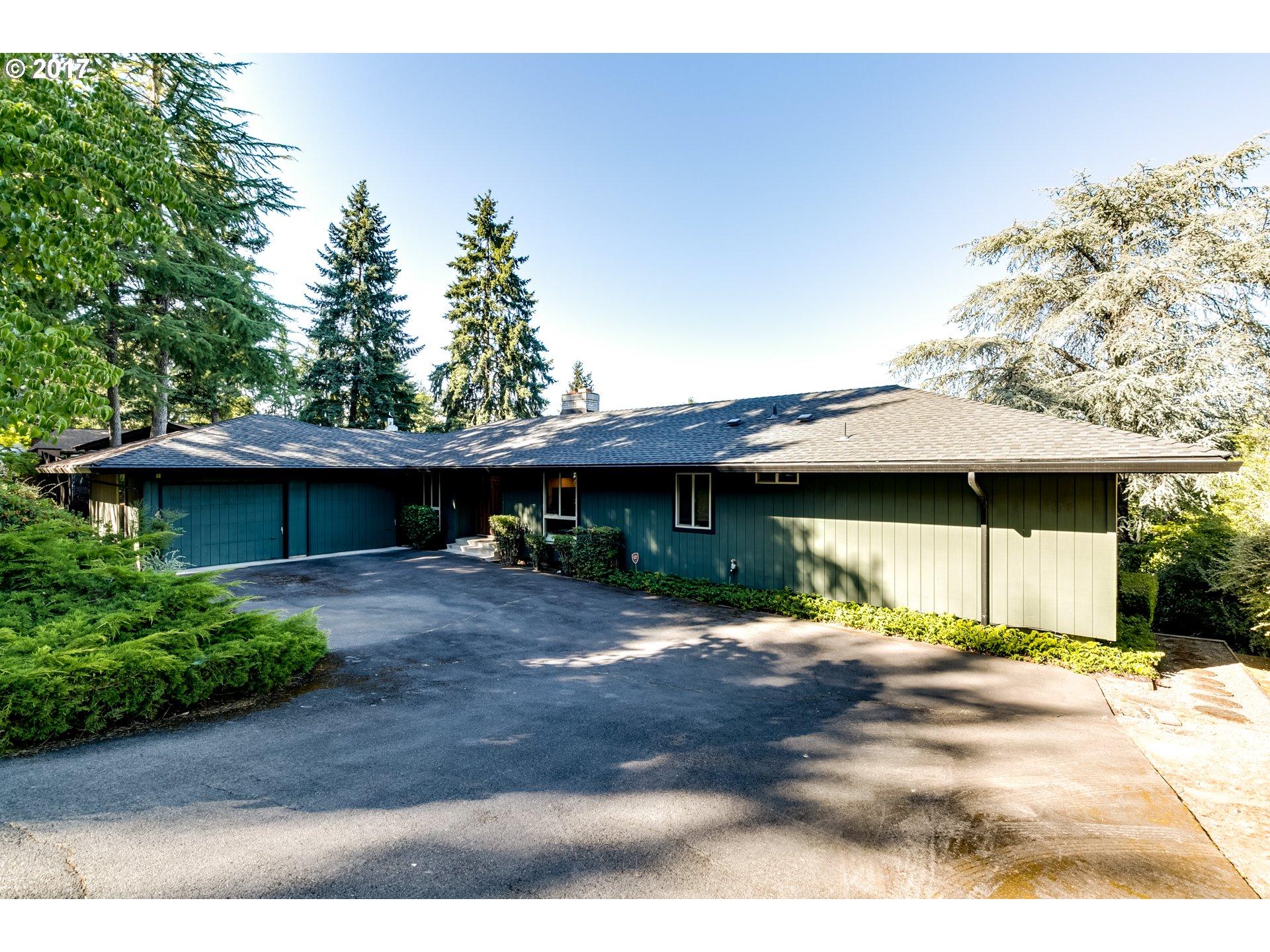2415 WILSON DR, Eugene, OR 97405