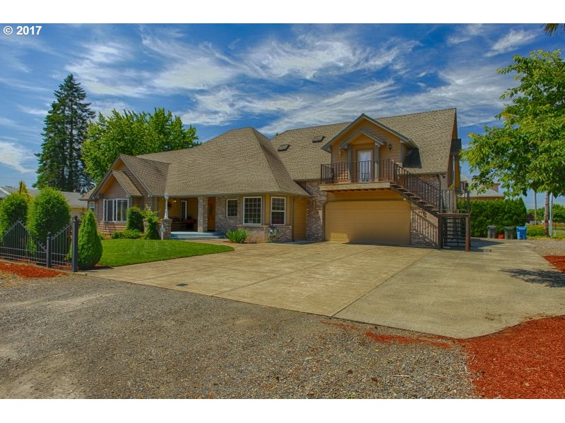 185 3RD ST, Gervais, OR 97026