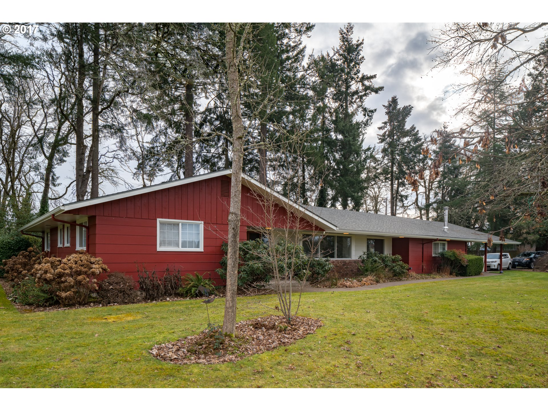 90175 LAKEVIEW DR, Eugene, OR 97402