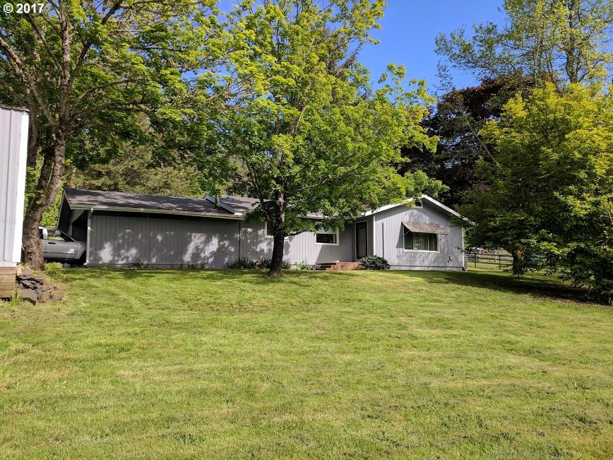 2750 HILLSIDE DR, Cottage Grove, OR 97424