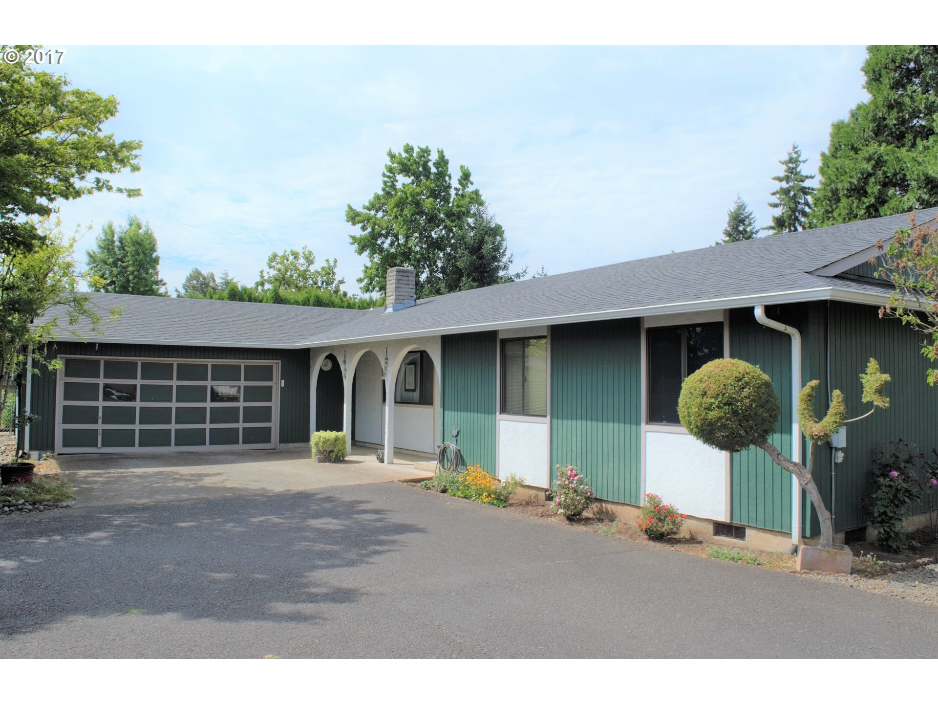 1276 T ST, Springfield, OR 97477