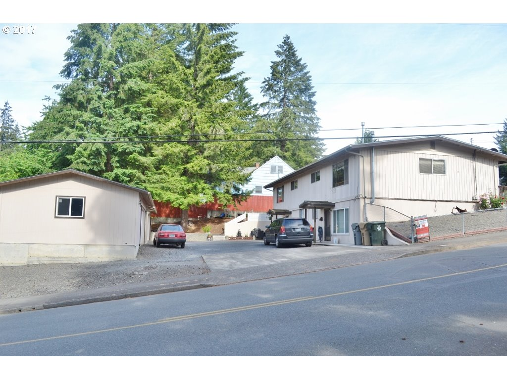 1300 GRAPE ST, Sweet Home, OR 97386