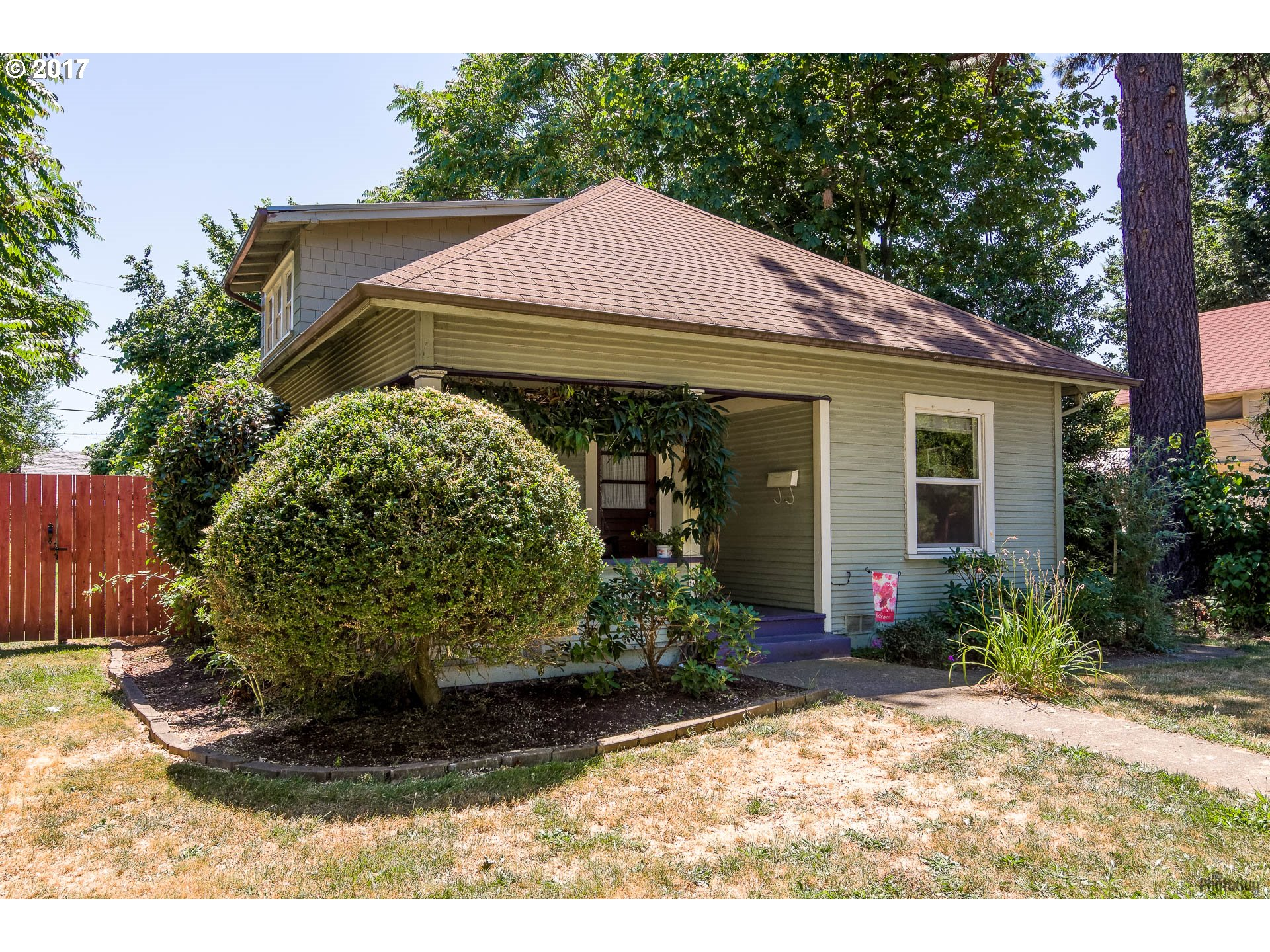1072 W 8TH AVE, Eugene, OR 97402