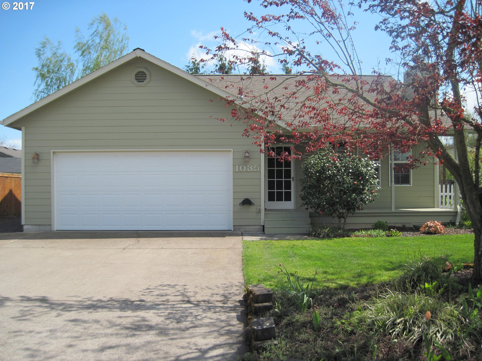 1035 W 17TH AVE, Junction City, OR 97448