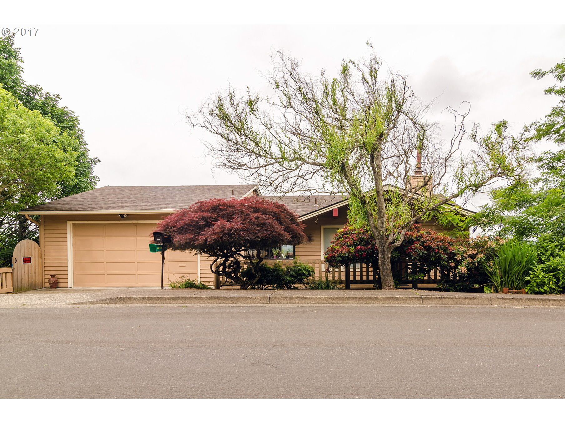820 Sunset DR Springfield, OR 97477 - MLS #: 17662940