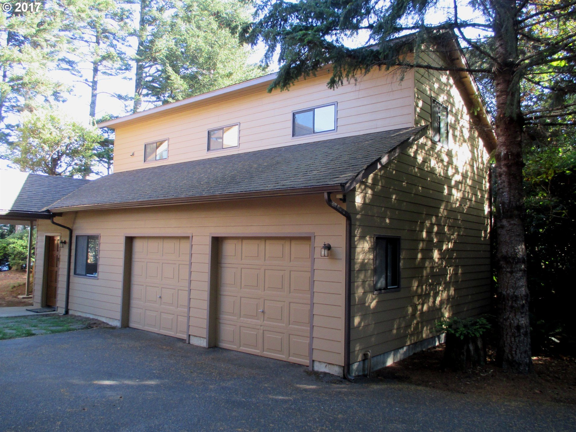 1064 LAKESHORE DR, PORT ORFORD, OR 97465  Photo 17