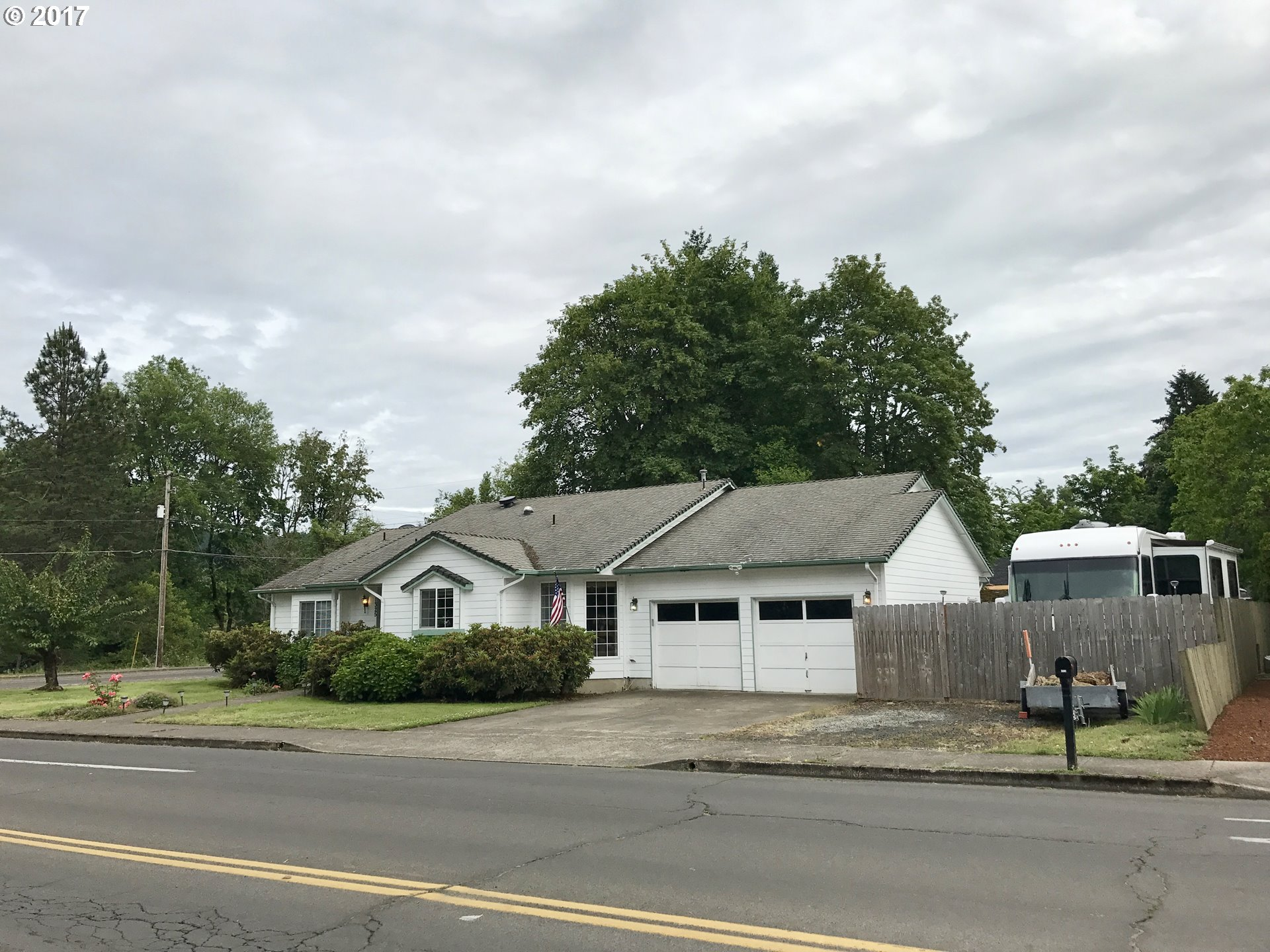 1325 W HARRISON AVE Cottage Grove, OR 97424 - MLS #: 17663215