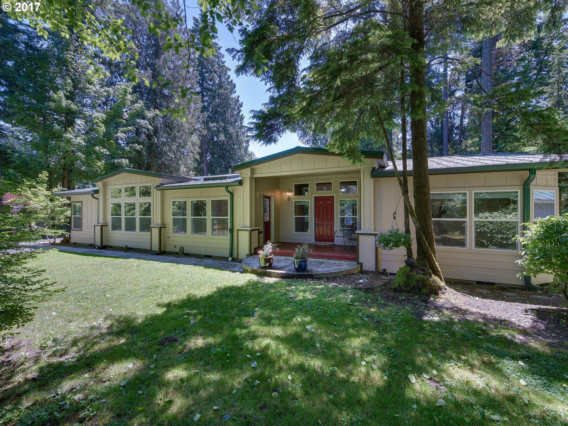 62262 E SALMON ST, Brightwood, OR 97011