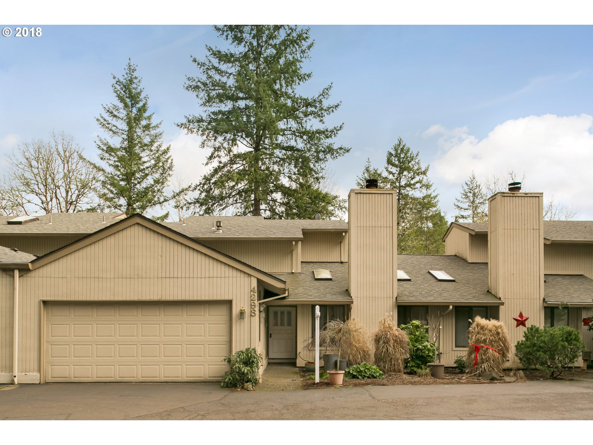 4298 WOODSIDE CIR, Lake Oswego, OR 97035