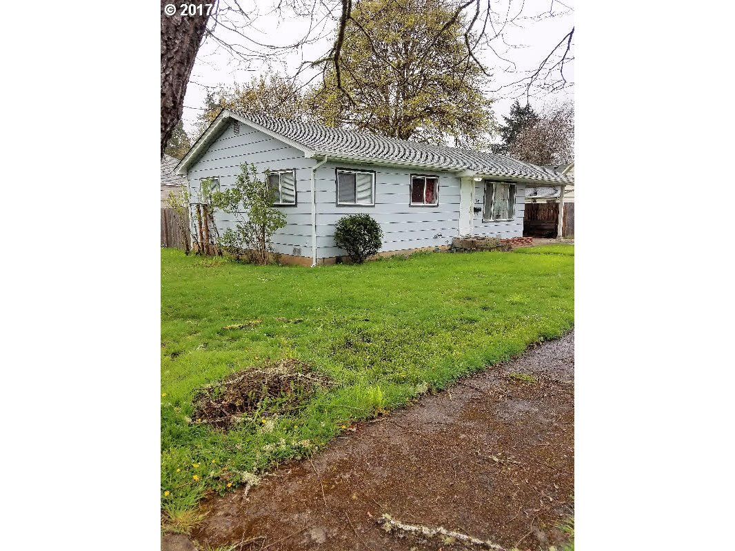 116 E MADISON AVE, Cottage Grove, OR 97424