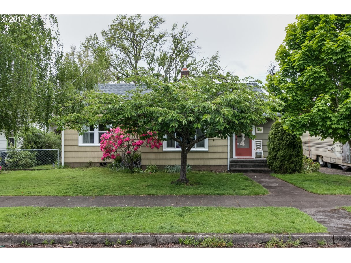 650 MAPLE ST, Junction City, OR 97448