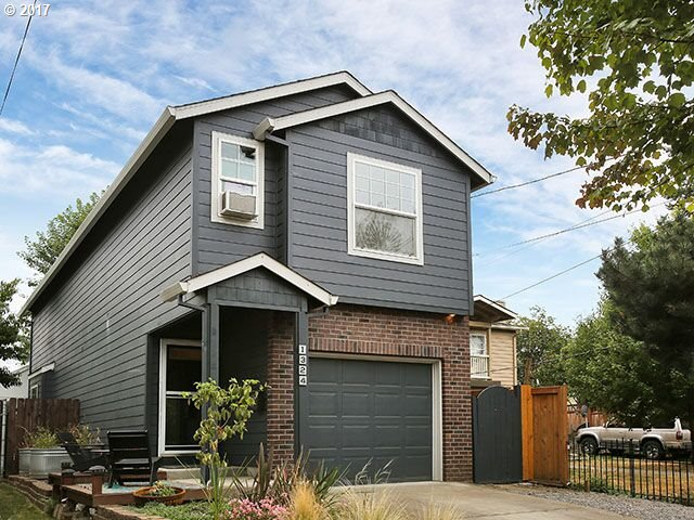 Small Carbon Footprint yet lives large, Open floorplan, Modern vibe. Enjoy living simplified, easy maintenance yard, walk score 77 bike 87, trails, parks, max, farmers market and restaurants nearby. Vibrant new developments everywhere. Skylights and tall ceilings give amazing natural light throughout the home. agent owned.