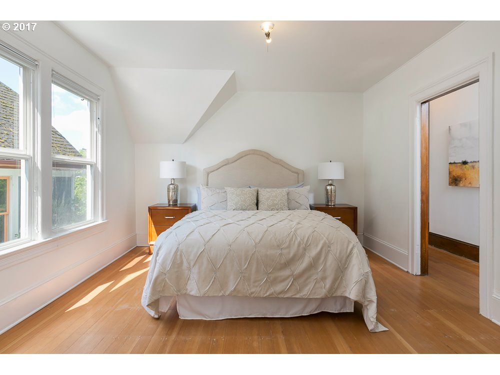 228 SE 15TH AVE Portland, OR 97214 - MLS #: 17681810