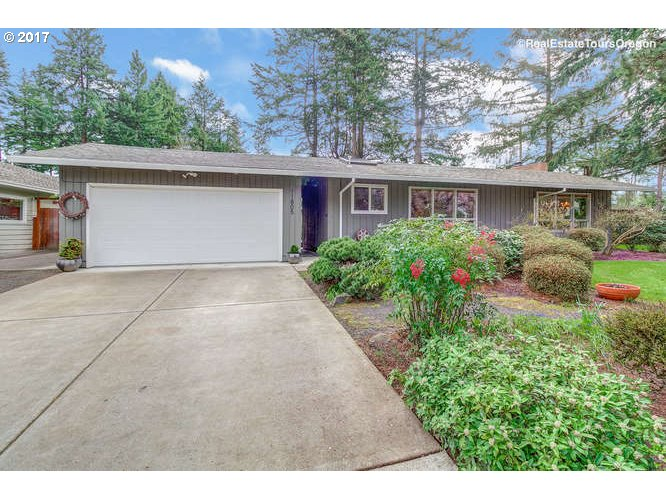 1543 sq. ft 3 bedrooms 2 bathrooms  House For Sale, Portland, OR