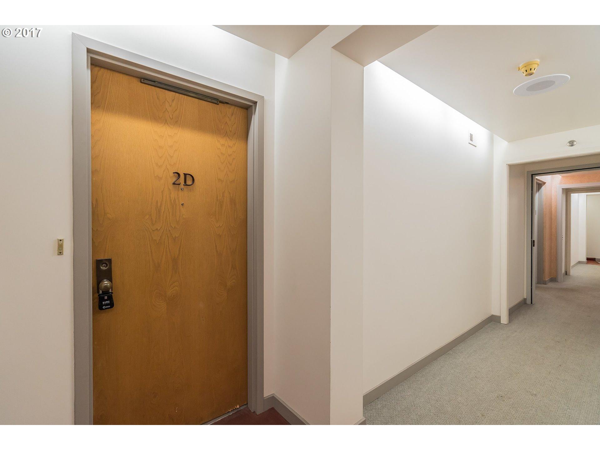 2245 SW PARK PL 2 D Portland, OR 97205 - MLS #: 17690060