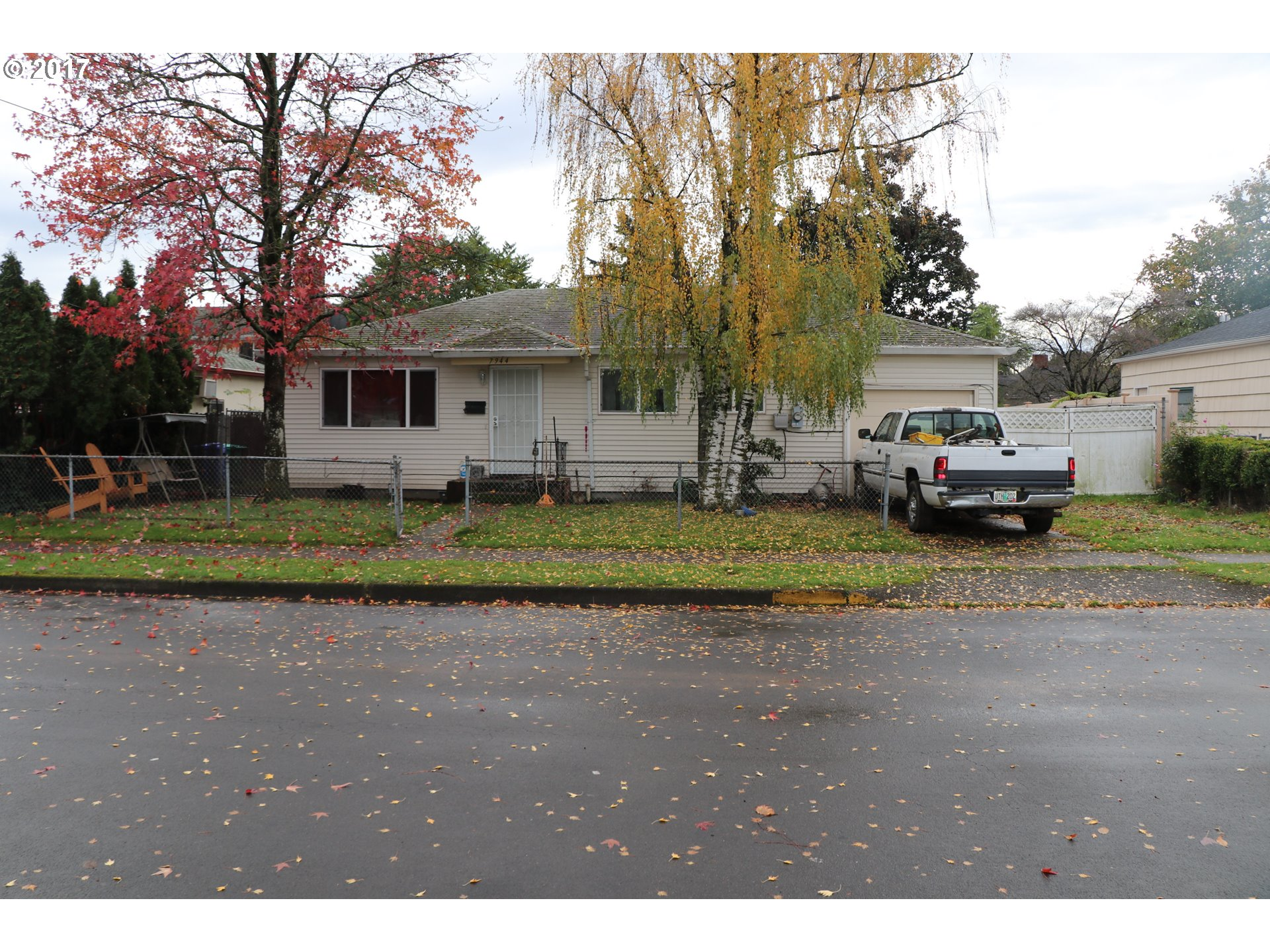 884 sq. ft 2 bedrooms 1 bathrooms  House For Sale, Portland, OR