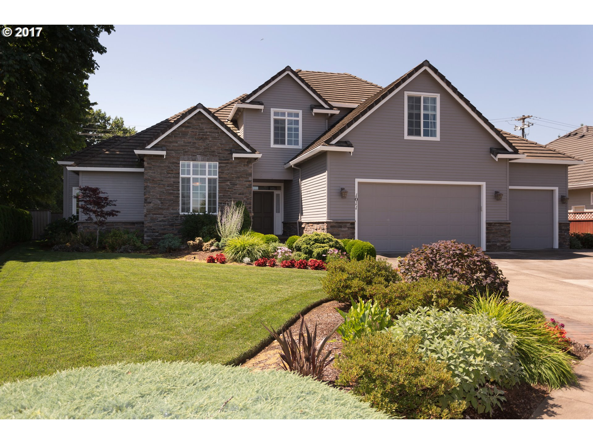 1011 NW 8TH WAY, Canby, OR 97013