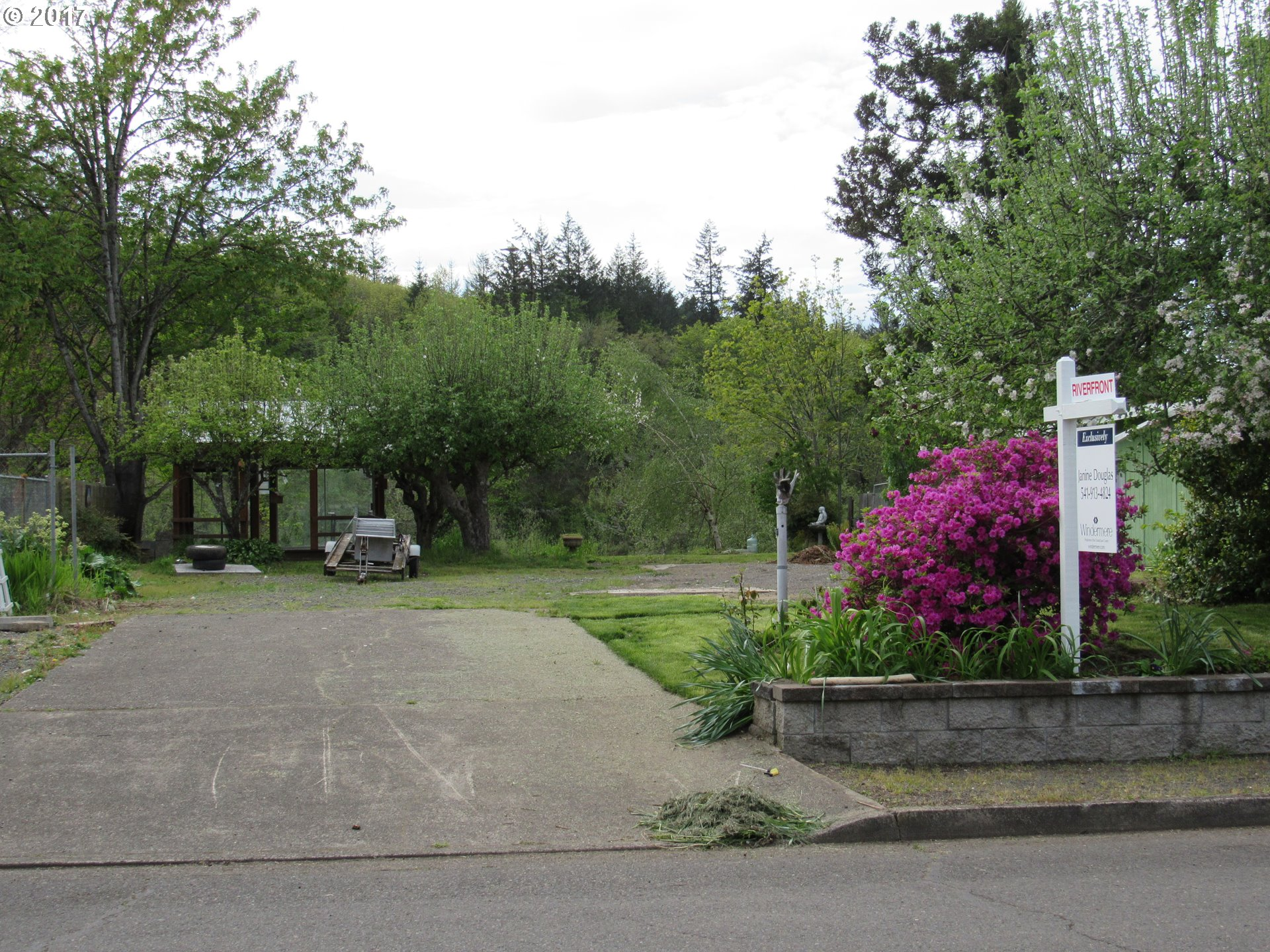 1778 HARBOR DR, Springfield, OR 97477