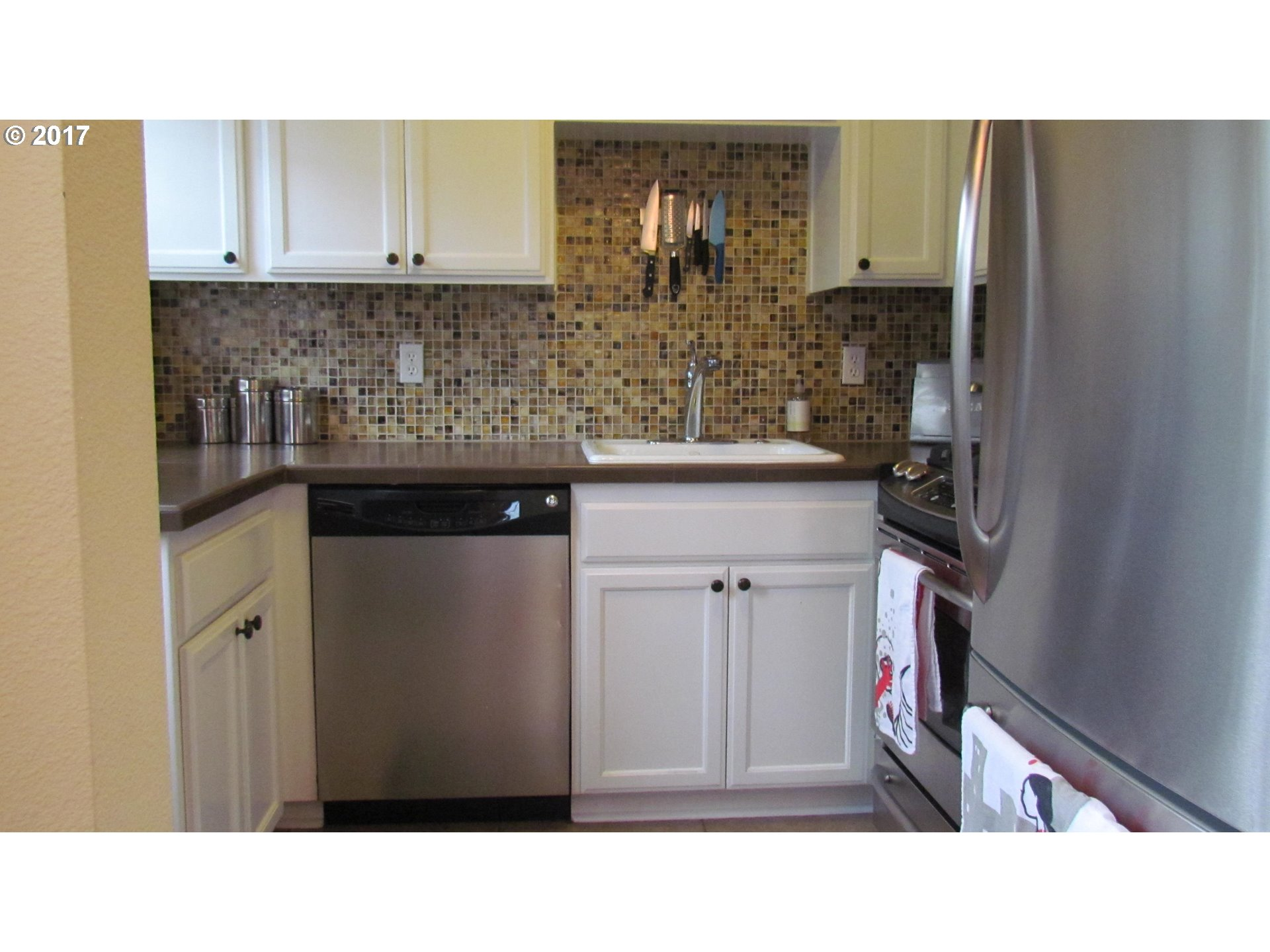852 sq. ft 2 bedrooms 1 bathrooms  House For Sale, Portland, OR