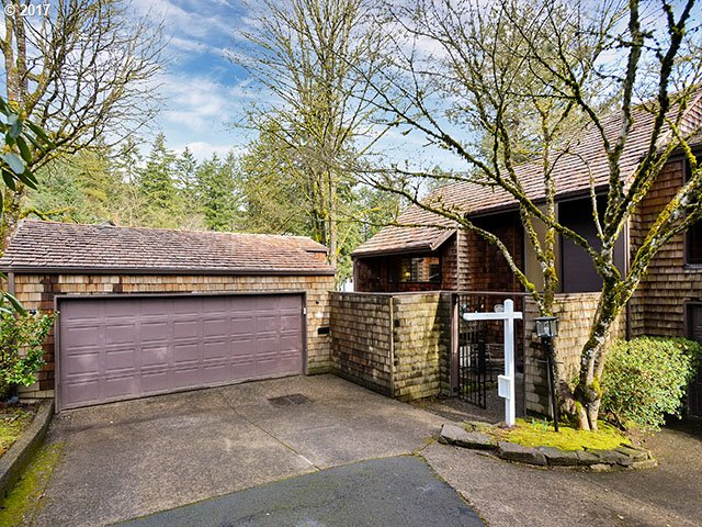 8 PREAKNESS CT, Lake Oswego, OR 97035