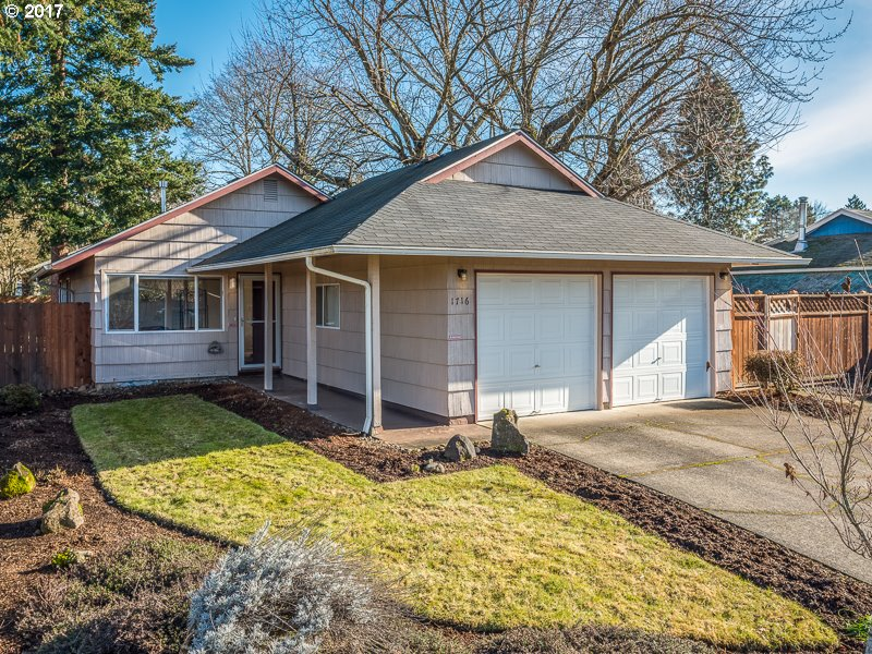 964 sq. ft 3 bedrooms 1 bathrooms  House For Sale, Portland, OR